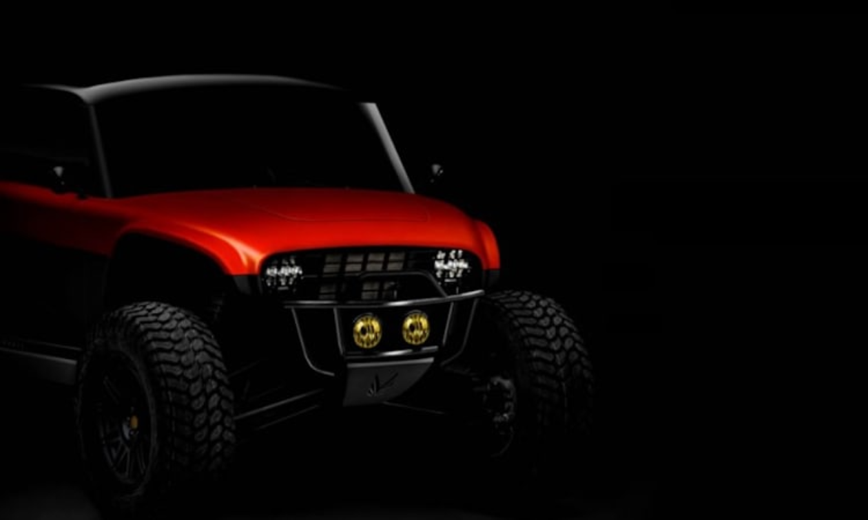 The Navarro also stands apart from other electric four wheeler options in its styling. It features the classic post-grill mounted headlights that immediately identify it is a Vanderhall creation.