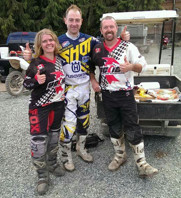 Graham Jarvis standing between Bobbi Bjornholt and Kitt Stringer.