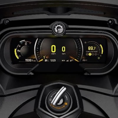 New fully-digital instrument panel with BRP ConnectTM offered on select 2018 Can-Am Spyder models.